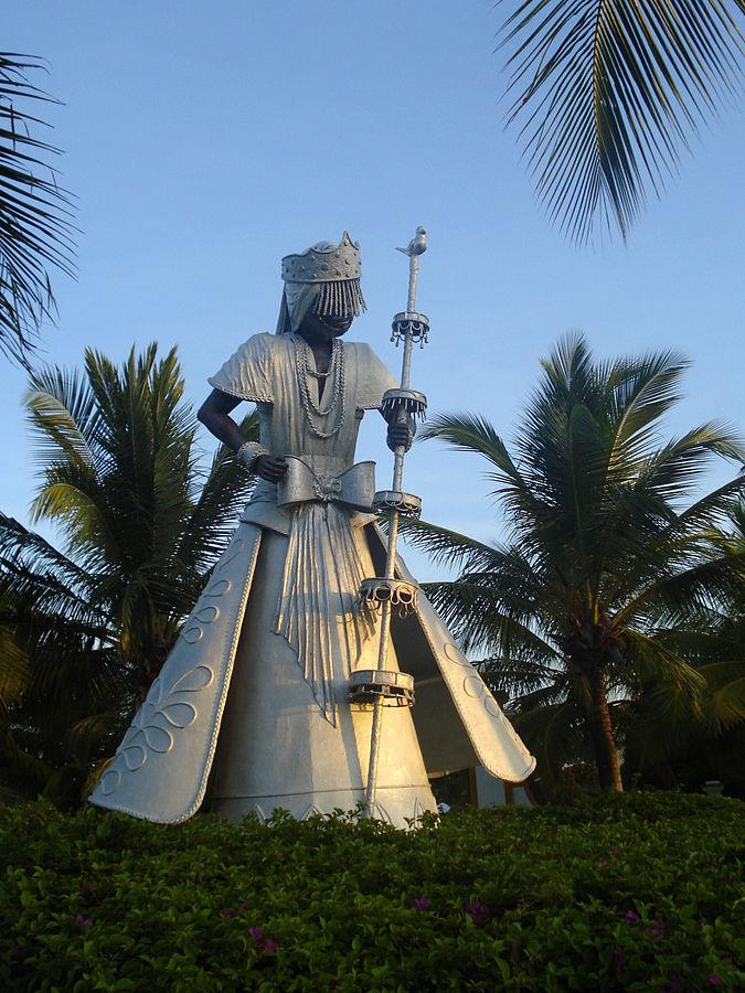 Estatua de Oxalá en Costa do Sauípe, Bahía, Brasil