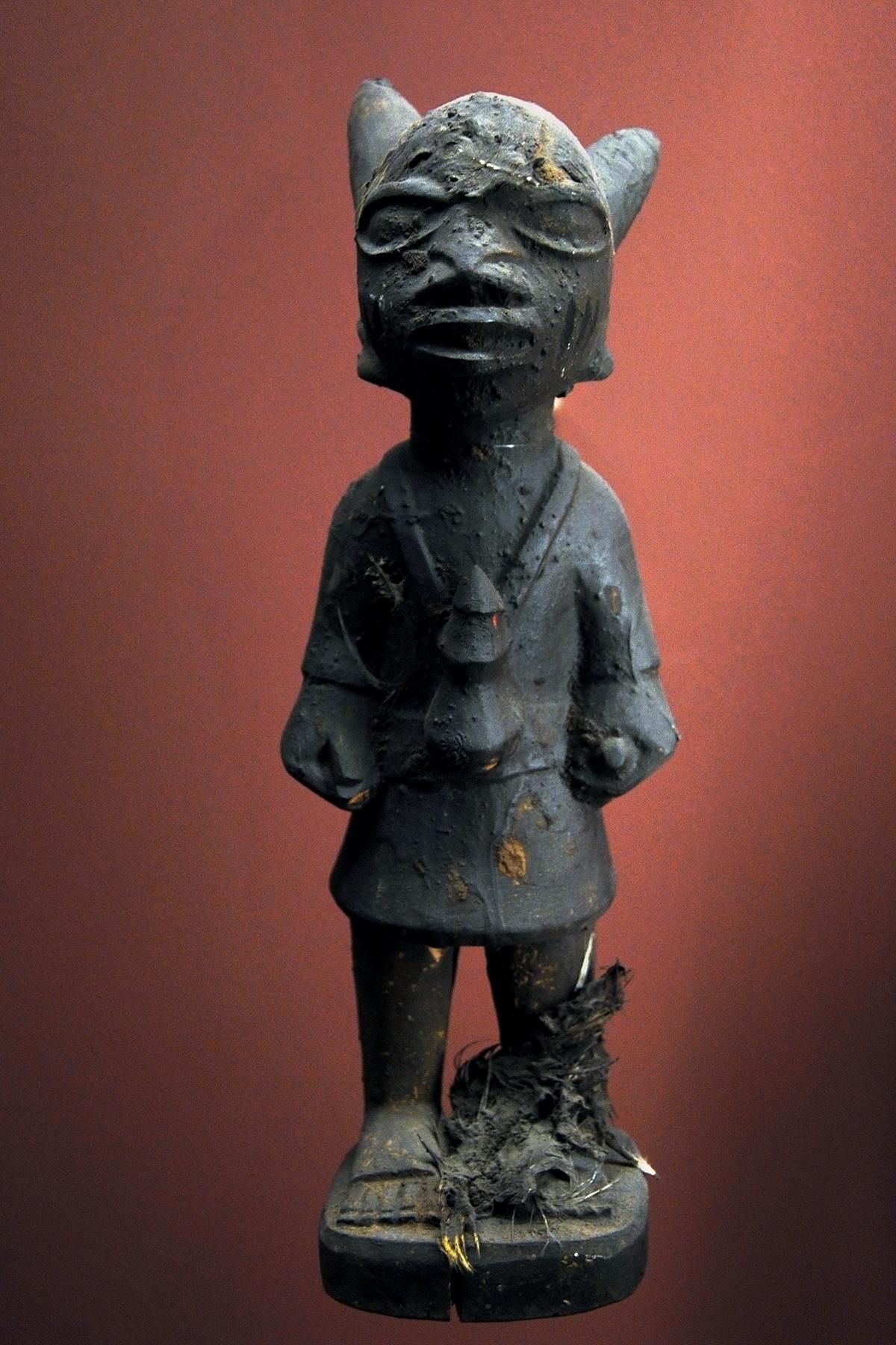 Estatuilla de orisha yoruba. Museo africano de Lyon. Original de Abeokuta, Nigeria