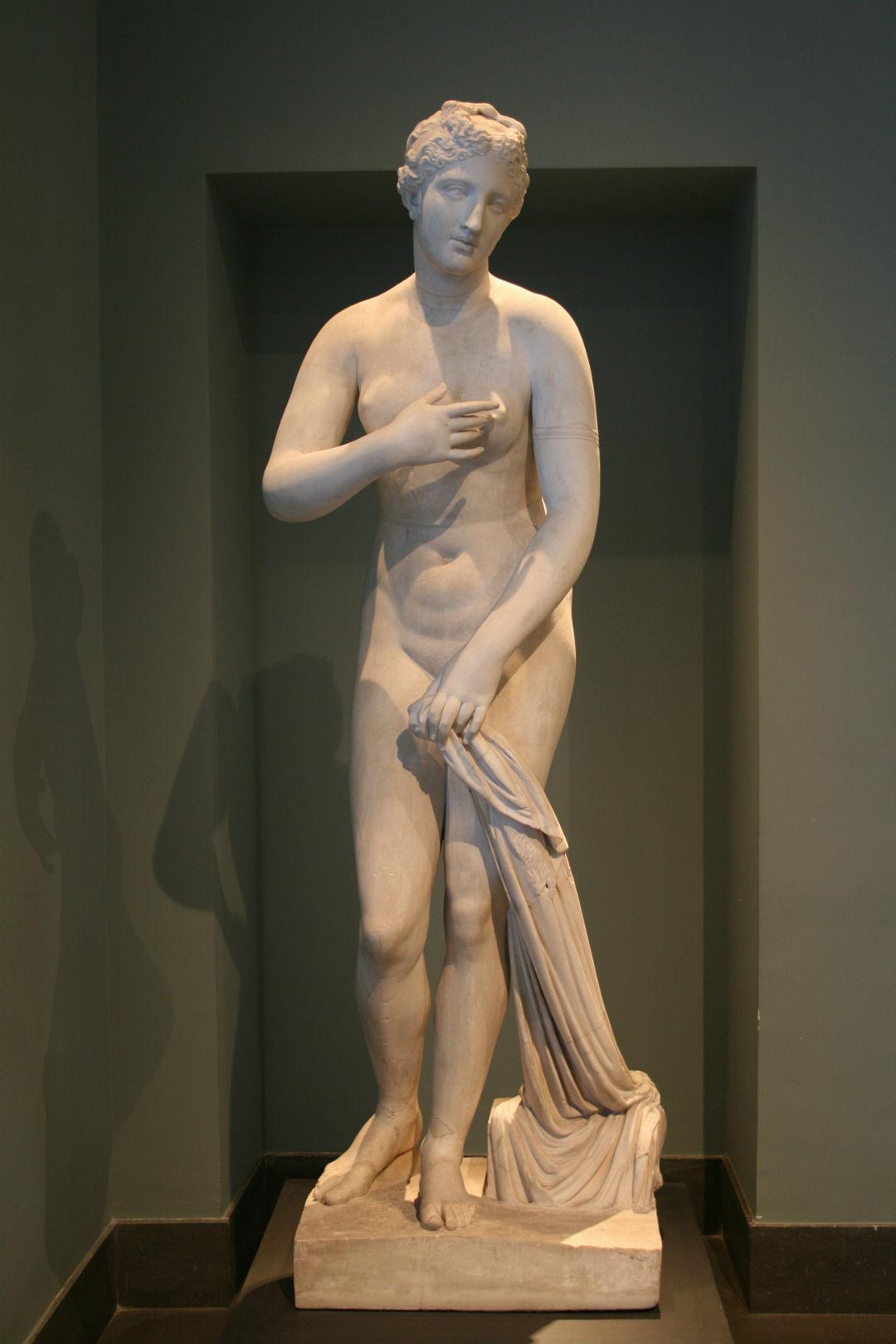 Afrodita de Menofanto, una Venus Pudica firmada por Menofanto, siglo I a. C., hallada en San Gregorio al Celio, Roma